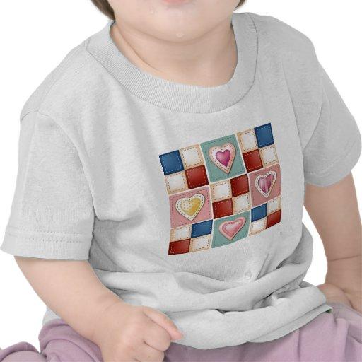 Corazones acolchados camisetas