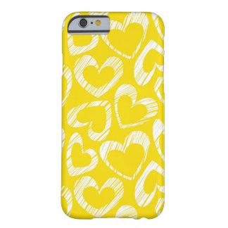 Corazones amarillos funda de iPhone 6 barely there