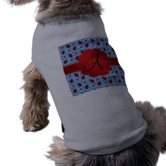 Corazones azules claros de las mariquitas del mono camisetas de perrito
