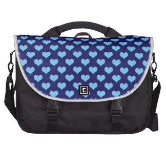 Corazones azules del amor bolsas de ordenador