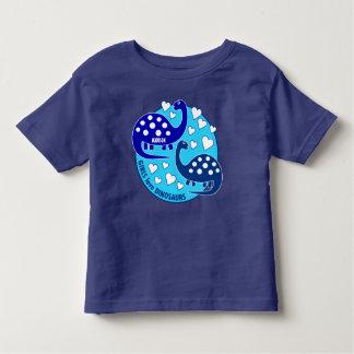 Corazones azules simples lindos del dinosaurio el playera de bebé