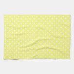 Corazones blancos en amarillo toalla de mano