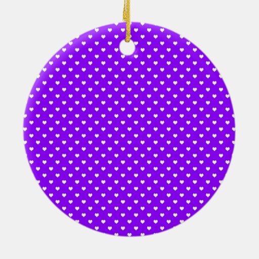Corazones blancos en púrpura adorno redondo de cerámica