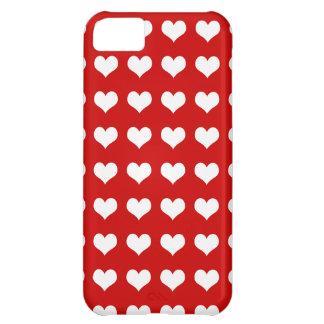 Corazones blancos en rojo funda para iPhone 5C