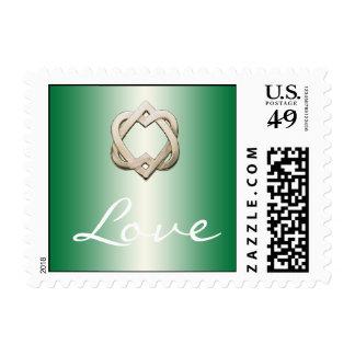 Corazones célticos en sello verde del amor de la
