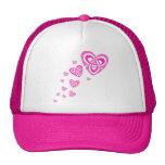 Corazones célticos rosados gorras