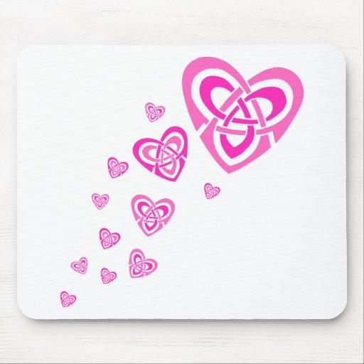 Corazones célticos rosados tapete de raton