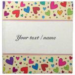 Corazones coloridos románticos servilletas de papel