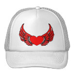 Corazones de alas rojas gorras