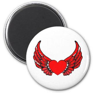 Corazones de alas rojas imán redondo 5 cm