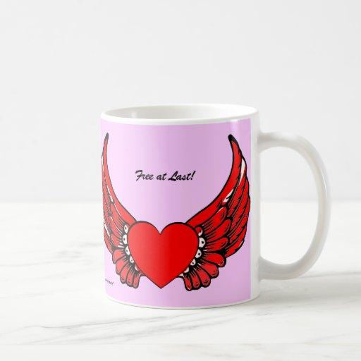 Corazones de alas rojas tazas
