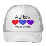 Corazones de la conciencia del autismo gorras