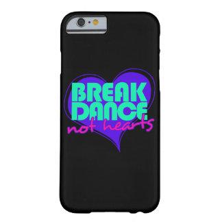 Corazones de la danza de rotura no funda barely there iPhone 6