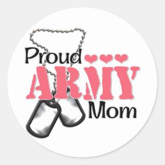 Corazones de la mamá del ejército pegatina redonda