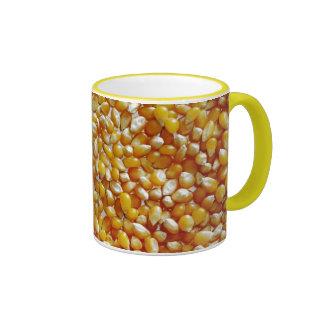 Corazones de la palomitas de maíz tazas de café