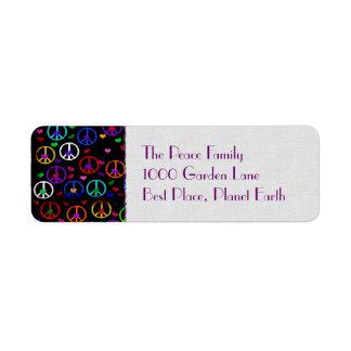 Corazones de la paz del arco iris etiquetas de remite
