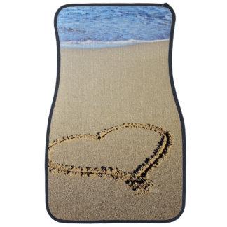Corazones de la playa en arena alfombrilla de coche
