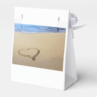 Corazones de la playa en arena paquete de regalo para bodas