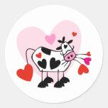Corazones de la vaca pegatina redonda