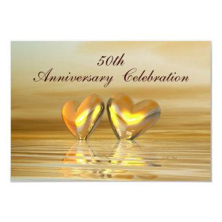 """Corazones de oro del aniversario invitación 3.5"""" x 5"""""""