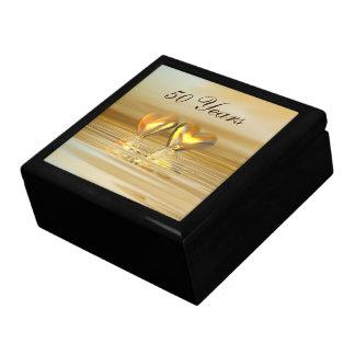 Corazones de oro del aniversario caja de recuerdo