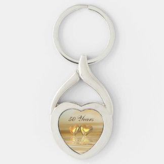 Corazones de oro del aniversario llavero plateado en forma de corazón