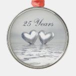 Corazones de plata del aniversario adorno para reyes