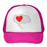 Corazones del amor que piensan el gorra de la burb
