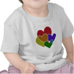Corazones del arco iris camisetas