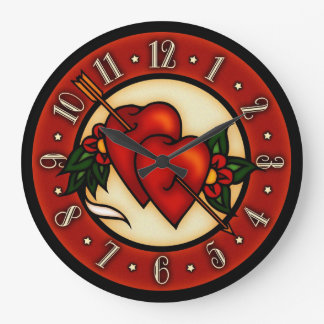 Corazones del arte del tatuaje del vintage reloj redondo grande