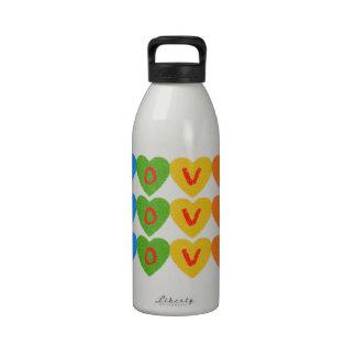 Corazones del creyón del amor botella de agua reutilizable