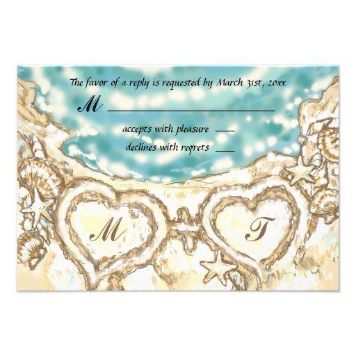 Corazones del monograma en la tarjeta de RSVP del  Invitaciones Personales