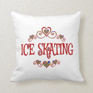 Corazones del patinaje de hielo cojín