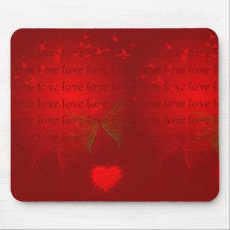 Corazones del rojo de la tarjeta del día de San Va Mousepad