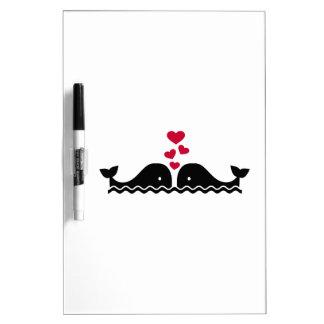 Corazones del rojo del amor de las ballenas tableros blancos