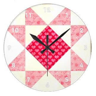 Corazones del rojo del cuadrado del edredón del am reloj redondo grande