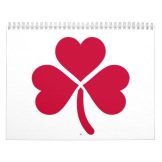 Corazones del rojo del trébol calendarios de pared