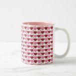 Corazones del rosa y del chocolate tazas