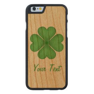 Corazones del trébol de la hoja del trébol cuatro funda de iPhone 6 carved® de cerezo