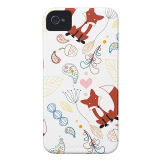 Corazones dibujados mano linda del Fox en rosa azu Case-Mate iPhone 4 Carcasa