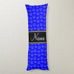 Corazones e impresiones azules de neón conocidos almohada larga