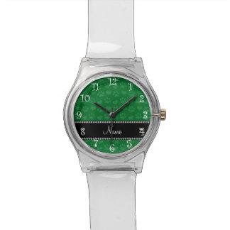 Corazones e impresiones verdes conocidos reloj