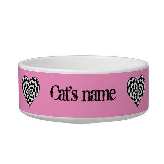 Corazones enrrollados punkyes en el rosa tazones para gatos