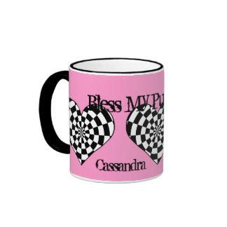 Corazones enrrollados punkyes en rosa taza