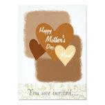 Corazones felices Brown del día de madre tres Invitación 12,7 X 17,8 Cm