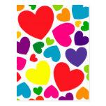 Corazones femeninos coloridos brillantes postal