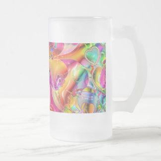 Corazones, flores y tréboles en colores pastel en taza de cristal