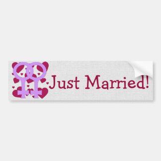 Corazones lesbianos de la boda pegatina de parachoque