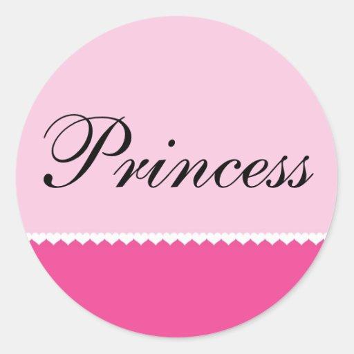 Corazones minúsculos en el fondo rosado, princesa pegatina redonda