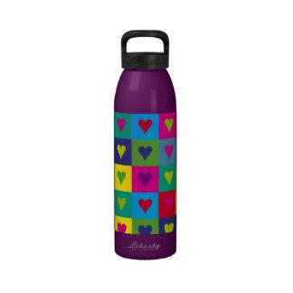 Corazones multicolores botella de beber